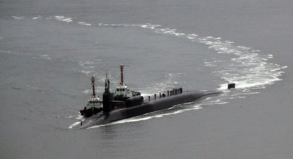Yhdysvaltalainen USS Michigan ydinsukellusvene saapuu eteläkorealaiseen Busanin satamaan 25. huhtikuuta 2017.