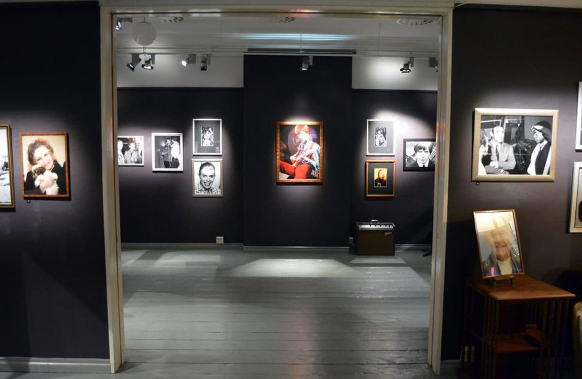 VB-valokuvakeskus etsii nuoria tekijöitä aluenäyttelyyn