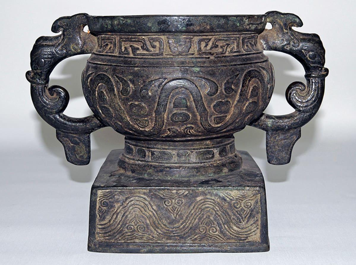 Gui, rituaalinen ruoka-astia, pronssi, mahdollisesti Zhou-dynastia, 900-800-luku e.a.a., Kiina