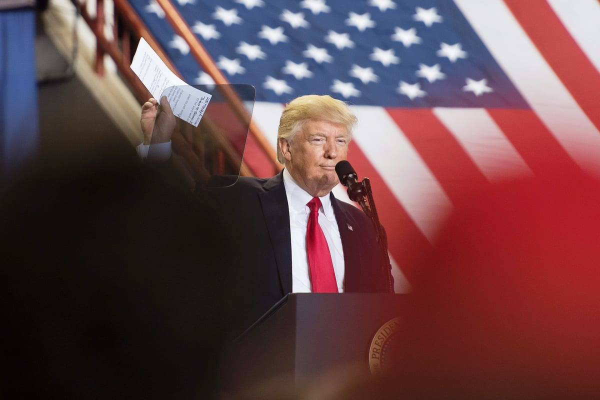 "Donald Trump ""Make America Great Again"" -tilaisuudessa Harrisburgissa 29. huhtikuuta."
