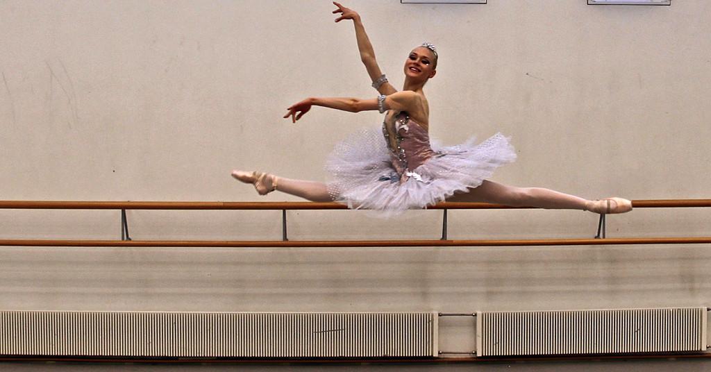 Balettitanssija Minna Somero huippuoppiin Venäjälle | Yle Uutiset | yle.fi
