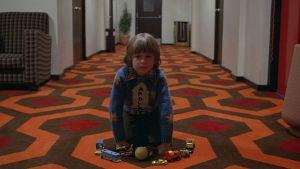 Danny Lloyd esitti Dannya Stanley Kubrickin elokuvassa Hohto. Yle kuvapalvelu.