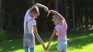 Amanda Rajaniemi, Jasmin Pikkarainen