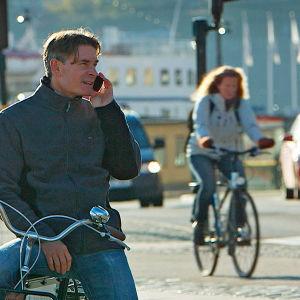 prisma: matkapuhelimien salatut vaarat, yle tv1