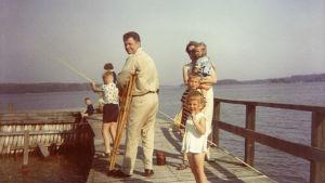 Laiturilla vuonna 1964. Kuva Josper Knutasin kotialbumista.