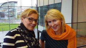 RSOn muusikot viulisti Tarja-Leena Kircher ja sellisti Eeva Rysä.