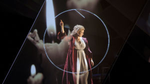 Camilla Nylund solistina Kaija Saariahon oopperassa Émilie (Suomen Kansallisooppera)