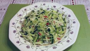 Burmalainen kurkkusalaatti