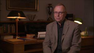 Pekka Visuri on kylmän sodan historian asiantuntija.