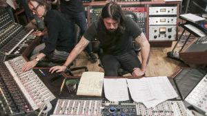 Foo Fighters - Sonic Highways, 8. jakso: New York.