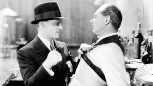 James Cagney ja Lee Phelps elokuvassa Yhteiskunnan vihollinen