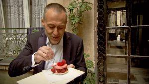 Michel Roux syö leivosta Pariisissa