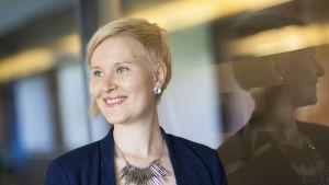 Kuvassa Kristiina Tolvanen, Aamulehden uutispäällikkö.