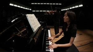 Jean Sibelius -viulukilpailu 2015 Helsingin konservatorion salissa. Kuvassa etualalla pianisti Naoko Ichihashi.