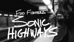 Dave Grohl juna-aseman laiturilla Chicagossa. Roswell Films.