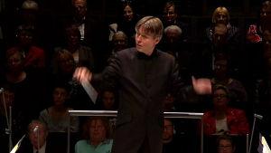 Esa-Pekka Salonen johtaa Radion sinfoniaorkesteria