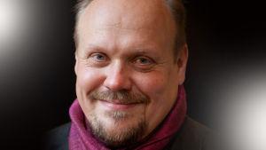 Näyttelijä Hannu-Pekka Björkman.