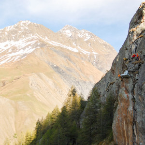 Förberedning inför den första natten uppe på väggen (över 150m höjd).