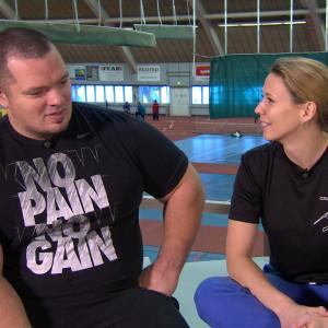 Fredrik smulter och Mikaela Ingberg debbatterar om styrka