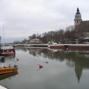 Vy över Nådendals hamn och kyrka