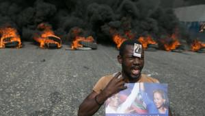 Det polotiska tomrummet i Haiti har tillspetsat läget i Haiti. Oppositionsdemonstranter drog ut på gatorna senast på söndagen