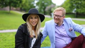 """Krista Siegfrids och Ted Urho i """"Koffparken"""""""