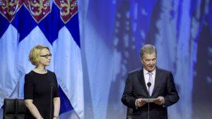 Riksdagens talman Maria Lohela och republikens president Sauli Niinistö
