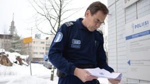 Överkommissarie Kaj Wahlman vid Helsingforspolisen, ansvarig för utlänningsärenden (avvisning av asylsökande)