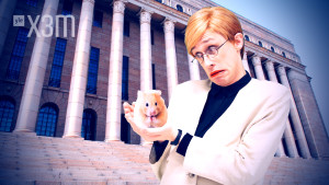 Christoffer Strandberg som Tarja Halonen + en hamster.