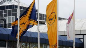 Sorgflaggning utanför pilotskolan i Bremen.