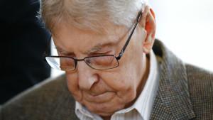 Reinhold Hanning står åtalad för inblandning i morden hundratusentals människor.