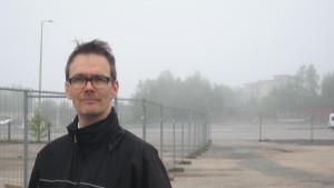 Arkitekt Dominicus Björkstam vid Norra hamnen i Ekenäs
