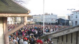 Folkfest för Mikko Sipola på Ekenäs torg