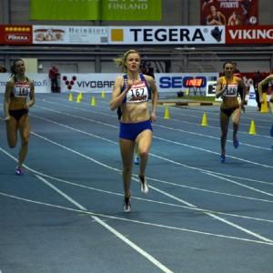 Jonna Berghem i elden på 200 meter vid inomhus-FM i friidrott 2015.