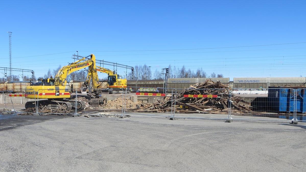 VR purkaa Kemin rautatieasemalla sijaitsevat makasiinit turvallisuussyistä | Yle Uutiset | yle.fi