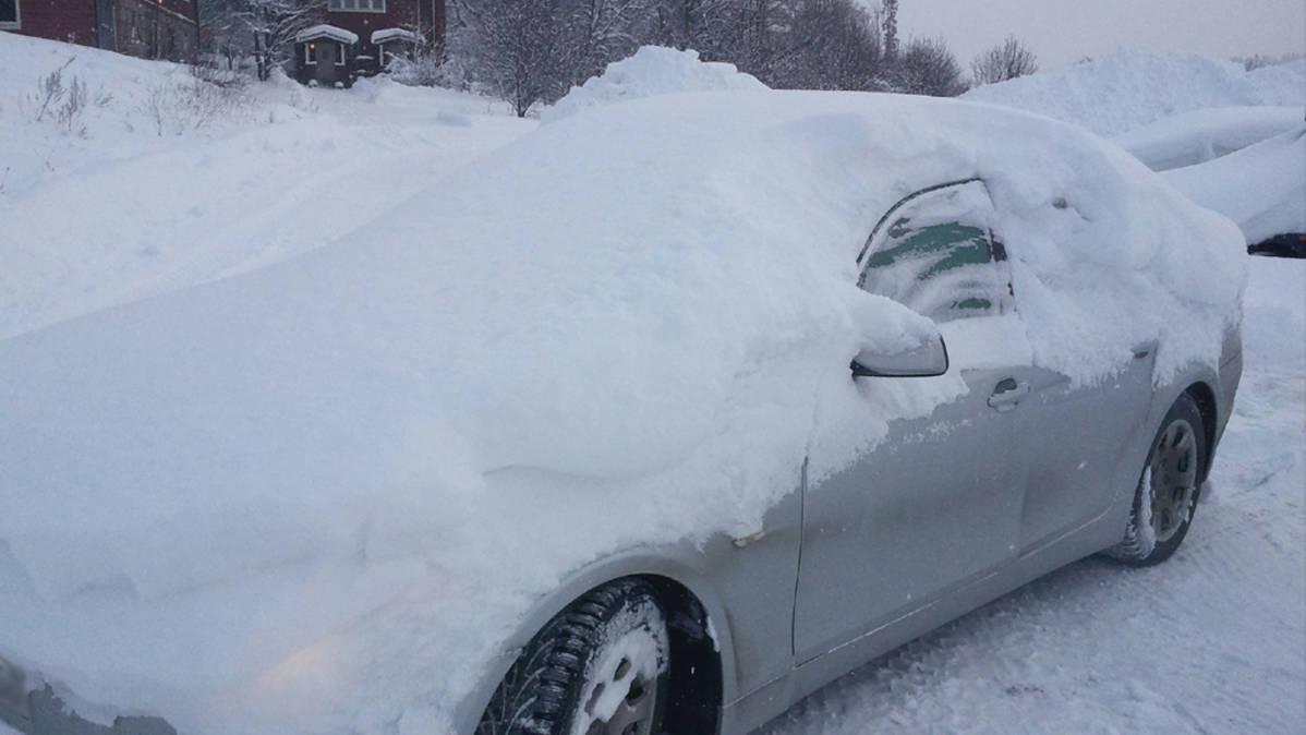 Auton Lukko Jäässä