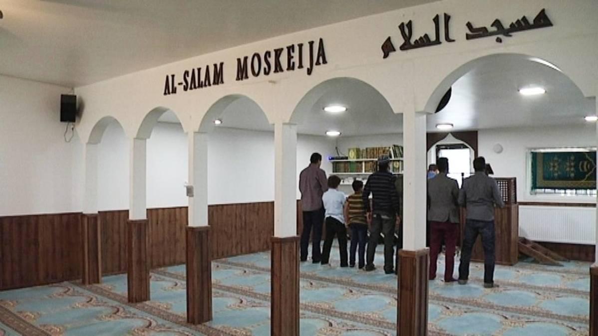 Salon moskeijassa valmistaudutaan lisääntyvään muslimien määrään | Yle Uutiset | yle.fi