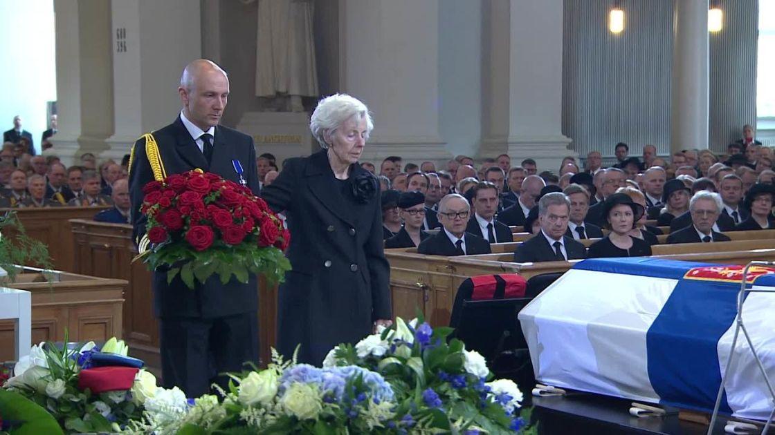 Video: Tellervo Koivisto jätti hyvästit miehelleen | Yle Uutiset | yle.fi