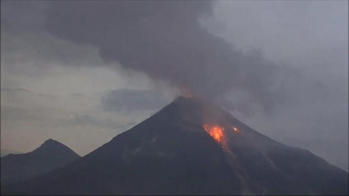 Video: Tulivuori purkautui näyttävästi Meksikossa | Yle Uutiset | yle.fi