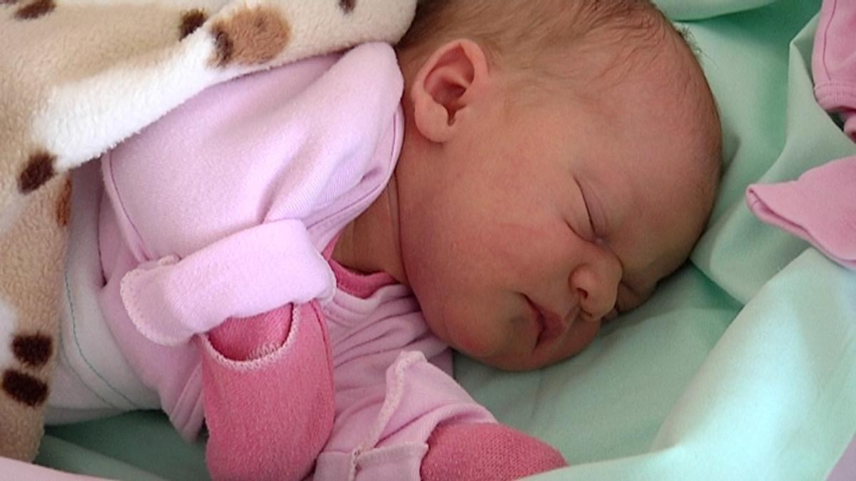 Tyttö Vauva