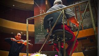 Audio: Lahden Sibelius-festivaali: BBC:n sinfoniaorkesterin konsertissa soivat ikisuosikit viulukonsertto ja sinfonia nro 2