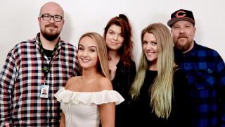 Audio: Kesäkumibiisi 2017 pursuaa mimmienergiaa - Tyynysotaa-kappaleen tähtinä Vilma Alina, Nelli Matula, Sini Yasemin ja Ida Paul
