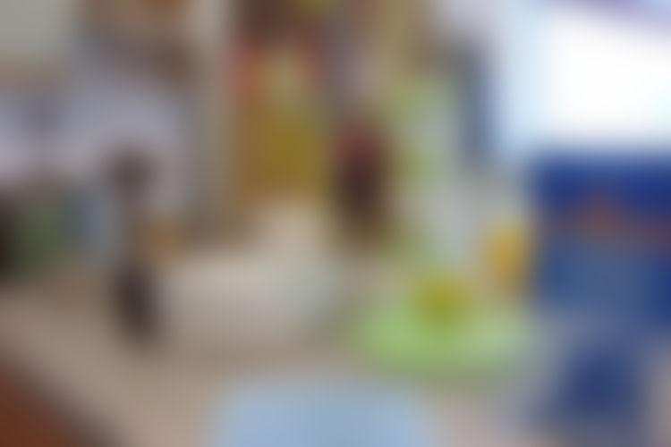 Parhaat siivousaineet löytyvät keittiön kaapeista  Yle