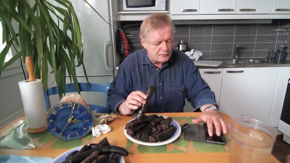 """Puoli vuotta syömishaasteita toi yhä suositummalle eläkeläistubettajalle kymmenen lisäkiloa: """"Tästä tulee hyvä mieli, kun muutkin kuin sukulaiset katsovat"""""""