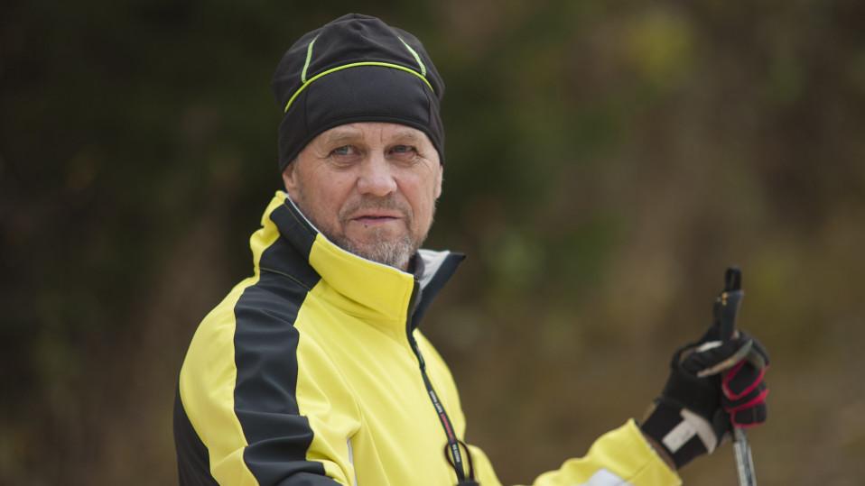 Itä-Suomessa syyslomalla pääsee jo hiihtämään – katso video ruskasivakoinnista