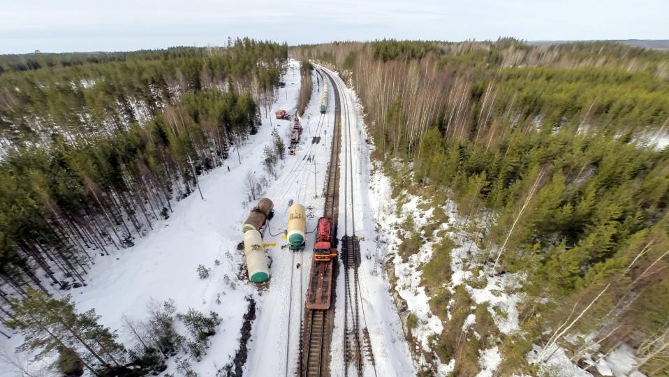 Ilmakuva Mäntyharjun Kinnin kemikaalionnettomuuspaikalta 7.4.2018.