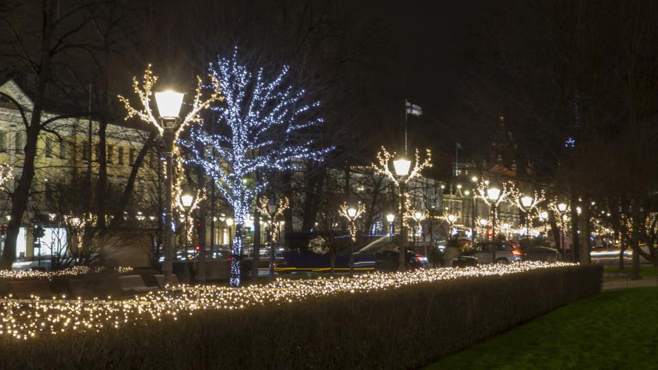 Esplanadin puiston jouluvaloja.