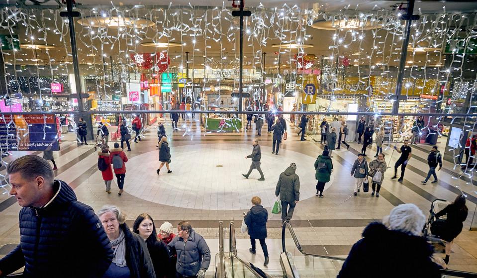 Ostoskeskus jouluvaloissa