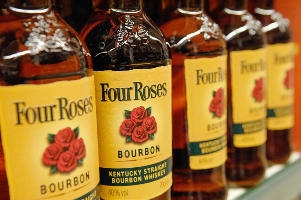 Neljän ruusun viskiä Kentuckystä.