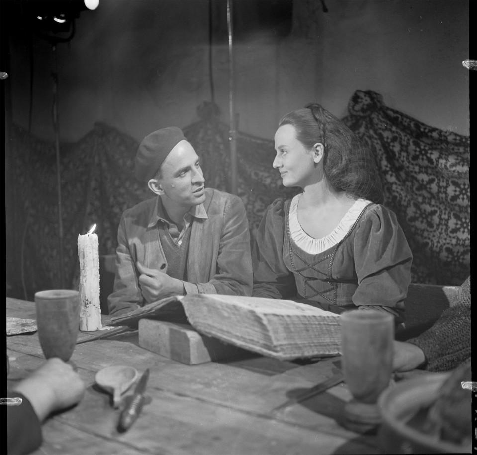 Suomalaistutkija pitää väitettä maailmankuulun ohjaajan natsimenneisyydestä huijauksena – uutuuselokuva esittää Ingmar Bergmanin Hitlerin ihailijana